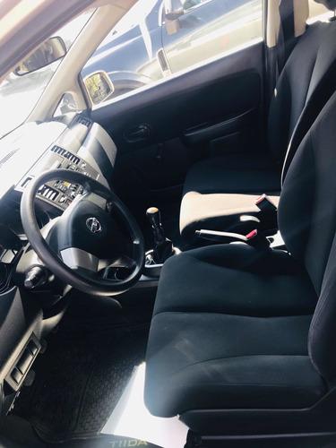 nissan tiida 1.8 advance sedan mt 2017