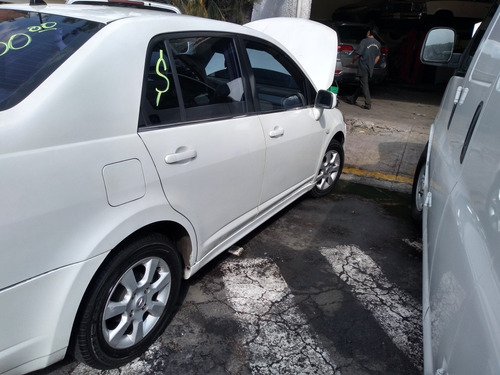 nissan tiida 1.8 emotion at 2007
