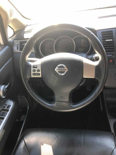 nissan tiida 1.8 hatch mt