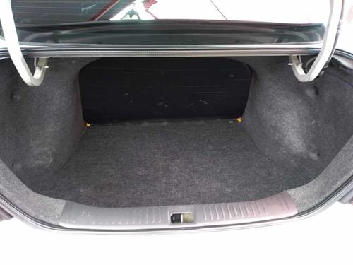 nissan tiida 1.8 sense sedan mt 2010