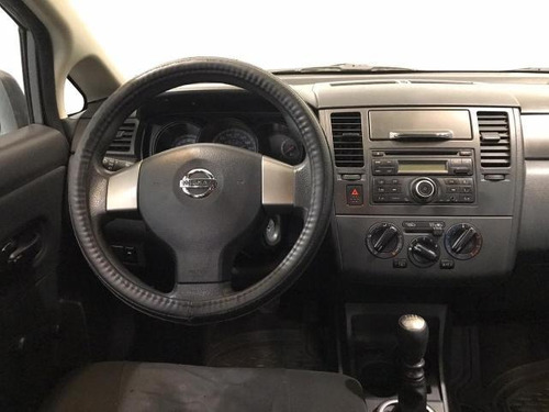 nissan tiida  4p drive 1.6l at a/ac. cd r-15