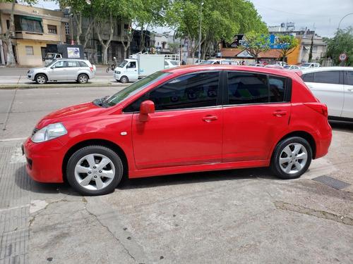 nissan tiida año 2011 full un dueño  financio y permuto