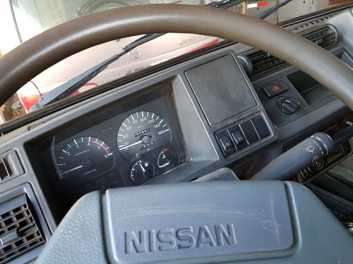 nissan  trade100 2.8 turbo