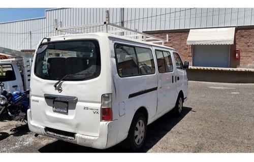 nissan urvan 2012 / larga t/m 12 pasajeros a/a