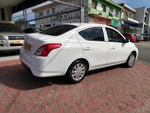 nissan versa 1.0 12v 2016 vilage automoveis  sem entrada