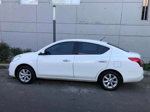 nissan versa 1.6 advance 5vel mt 2014