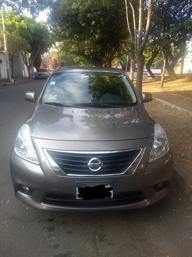 nissan versa 1.6 advance at sedán 2014