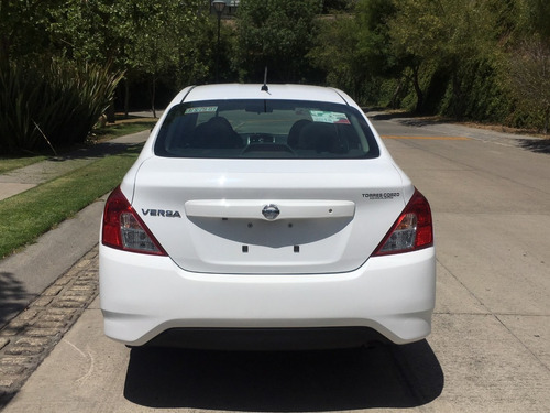 nissan versa 1.6 advance mt, crédito