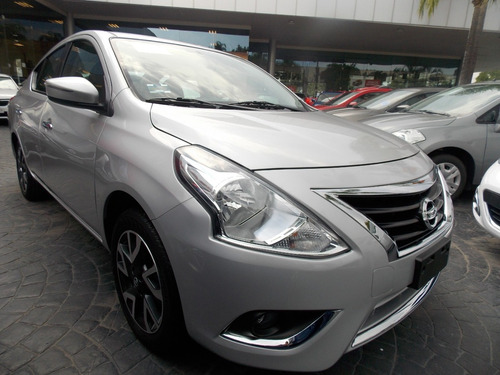nissan versa 1.6 exclusive navi at