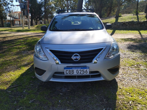 nissan versa 1.6 mt / impecable estado 2018