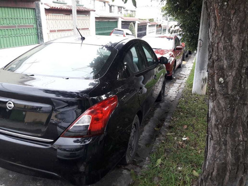 nissan versa 2015 negro 4 puertas