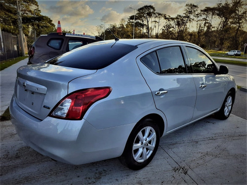 nissan versa extra full 2014 impecable m/t