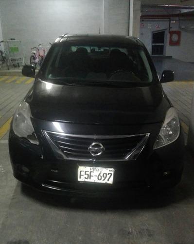 nissan versa negro año 2013 motor 1,600 cc 5 puertas