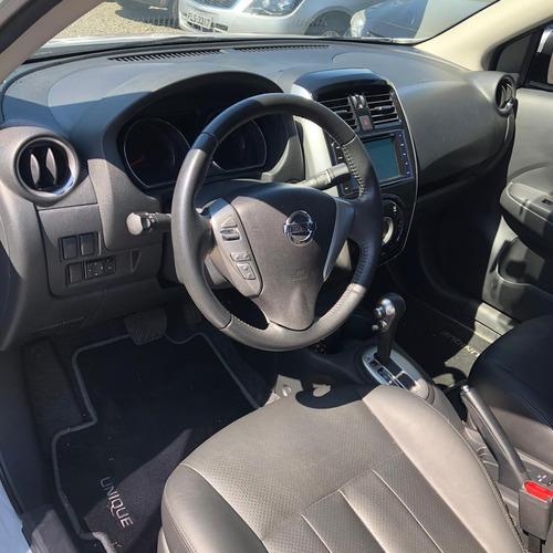 nissan versa sedan 1.6 16v 4p unique flex automático cvt