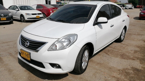 nissan versa versa advance 2014
