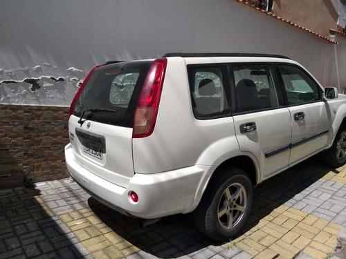nissan xtrail classic - 2010 blanco - 188554 km - 13000$