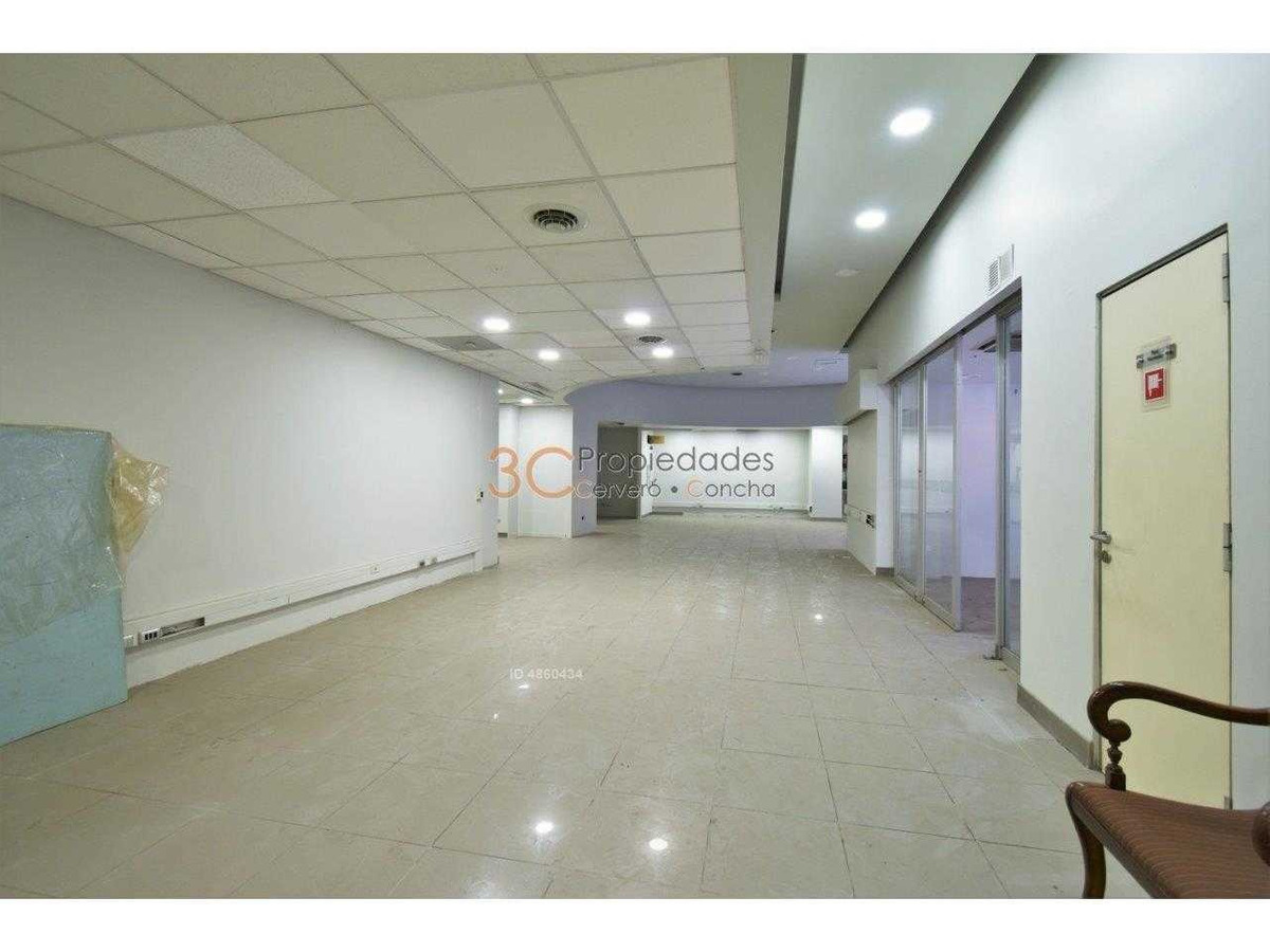 nivel calle y letrero / banco / comercial / oficina / teatinos / huerfanos / agustinas
