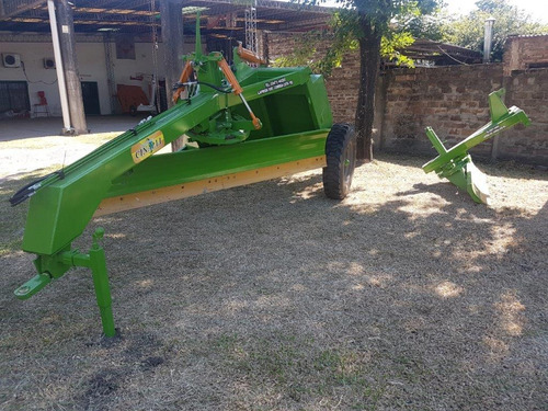 niveladora suelos 3 mts 2 ruedas 1500 kg