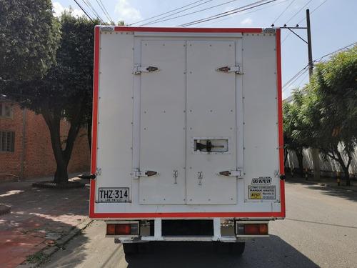 nkr ii, furgon con termo