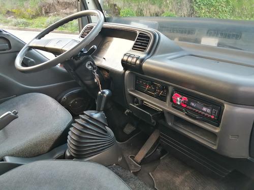 nkr ii  furgón modelo 2006