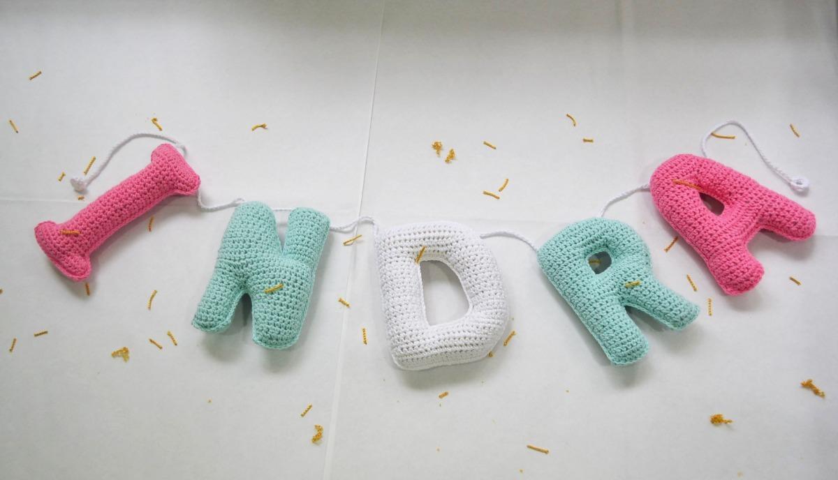 Nombre Con Letras Tejidas A Crochet - $ 74,00 en Mercado Libre