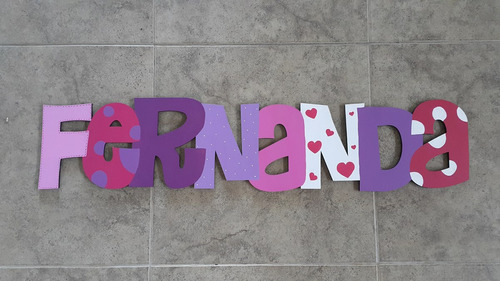 nombre y letras en madera 20cm