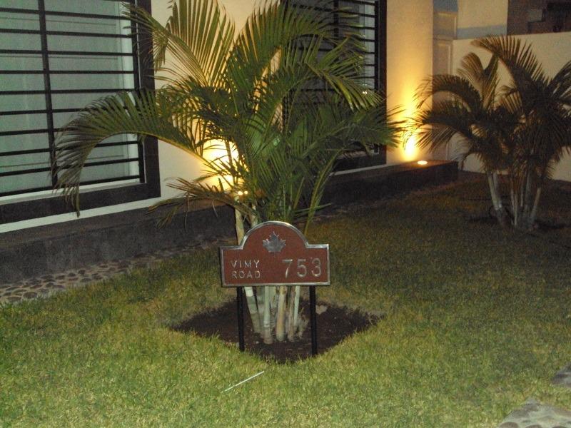 Nomenclatura Residencial Hogar Casa Modelo Arco De Jardin