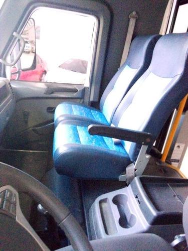 non plus ultra  bus urbano