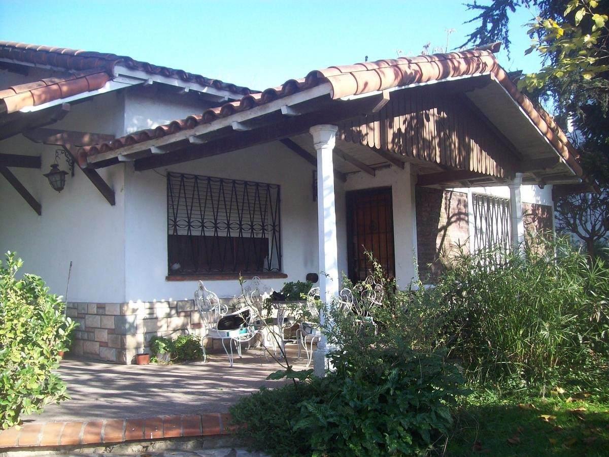 Casas en Venta en Moreno  800