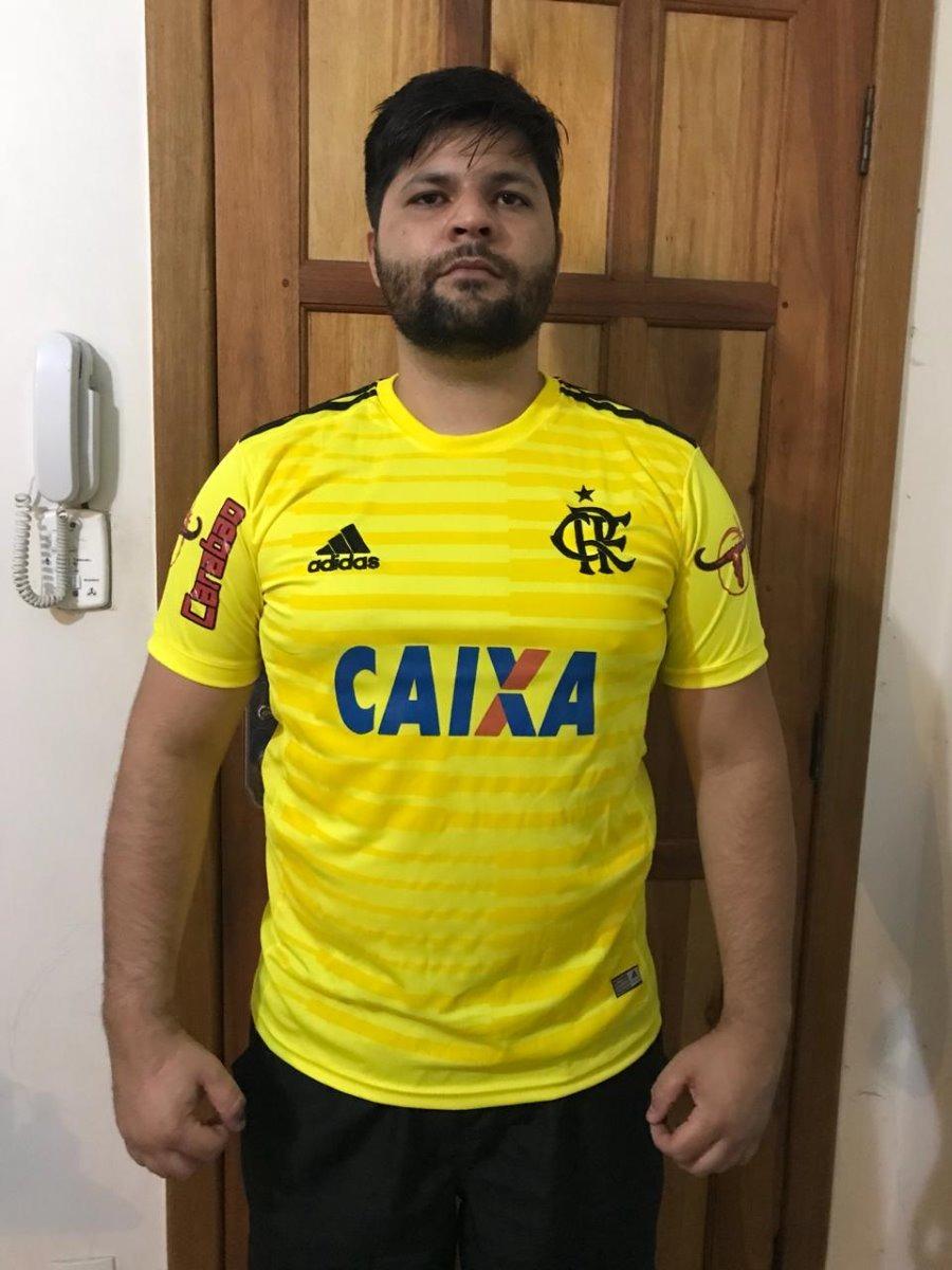 2f8e75cd83 nova camisa flamengo amarela 2018 goleiro julio cesar diego. Carregando  zoom.
