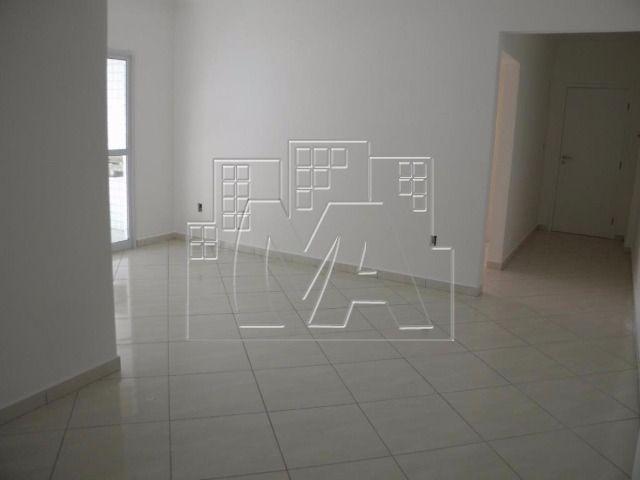 novo apartamento próximo à praia com 02 quartos