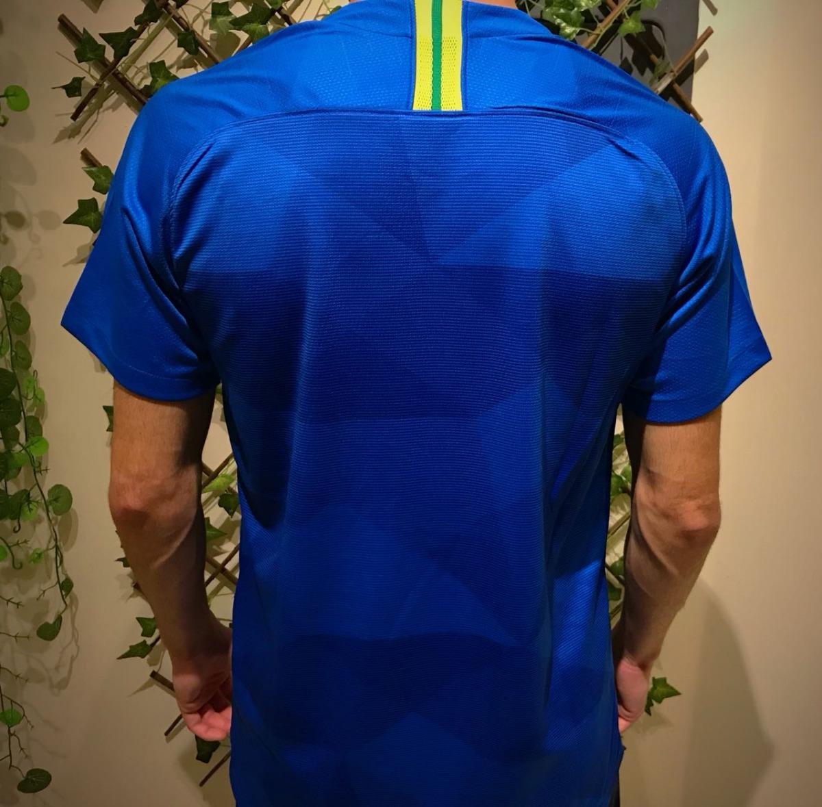 fb49fa93ac novo segundo uniforme seleção brasileira brasil mundial azul. Carregando  zoom.