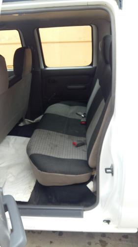 np300, doble cabina ideal para la familia o el trabajo