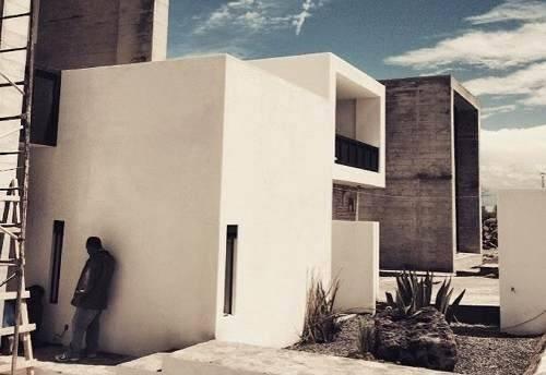 nuestra casa se distingue por su estilo contemporáneo, expre