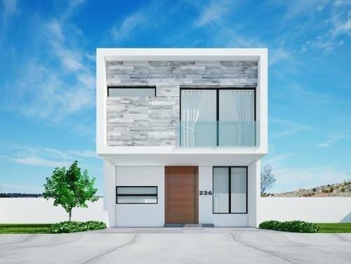 nueva casa en coto baluarte