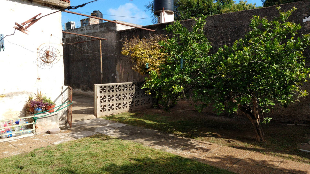 nueva italia - rancagua 2440 - venta casa de 4 dormitorios con patio y gge