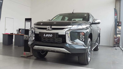 nueva mitsubishi l200 2.4 di-d semi-full at 4x4 car one wt