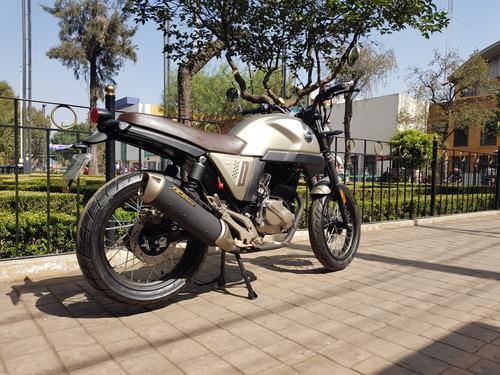 nueva moto cafe racer vento rocketman 250