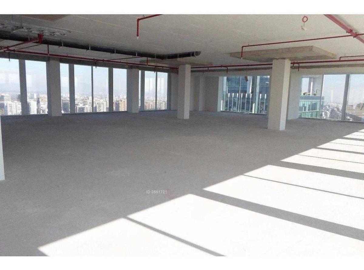 nueva oficina en planta libre / apoquindo / badajoz