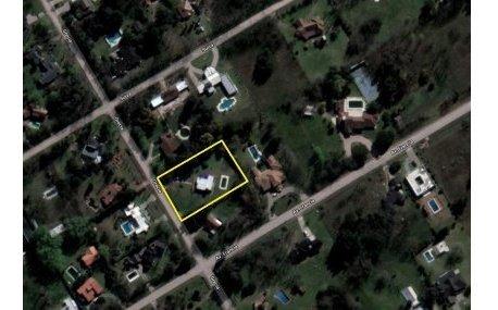nuevas condiciones casa con piscina en barrio cerrado venta