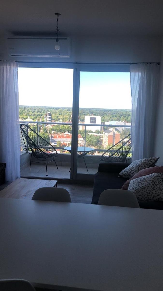 nuevo departamento en torre con pileta, tres ambientes 80m2