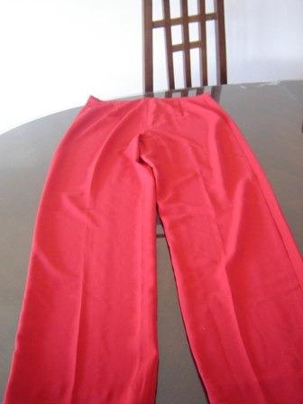 nuevo!!! pantalon de lino rojo con pinzas, talle 44, divino