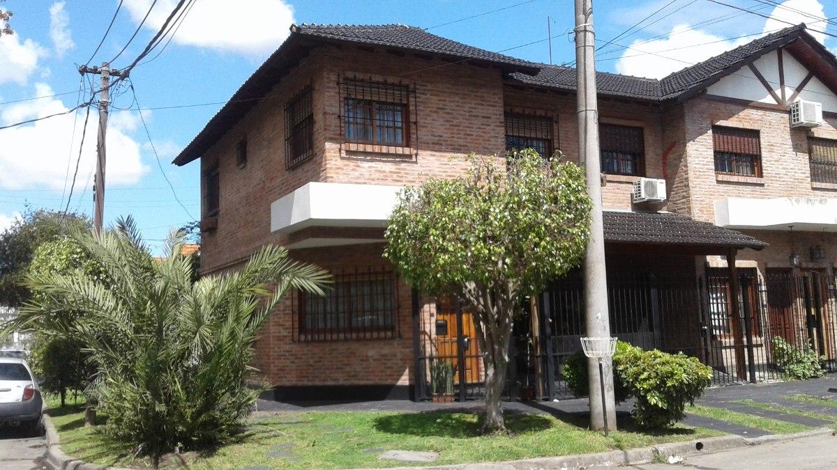 nuevo precio - hermoso duplex en barrio guemes - apto cred.