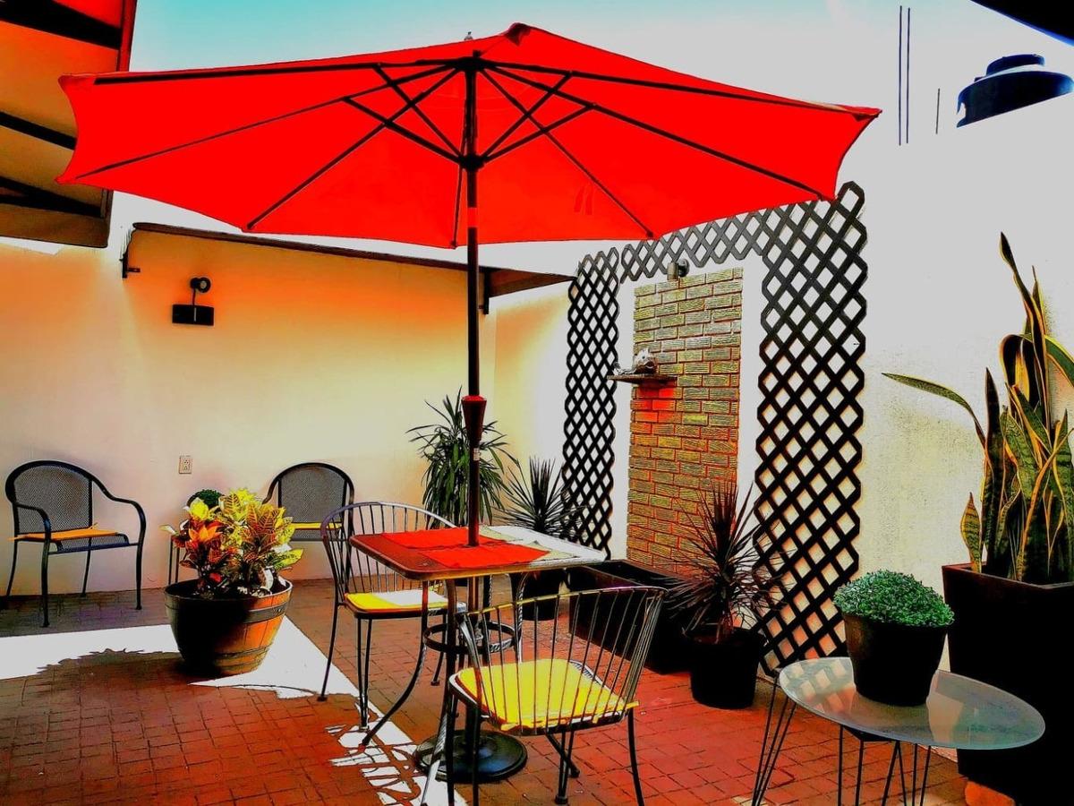 nuevo totalmente amueblado con terraza jardin
