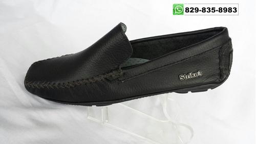 nuevos zapatos en piel diferentes colores