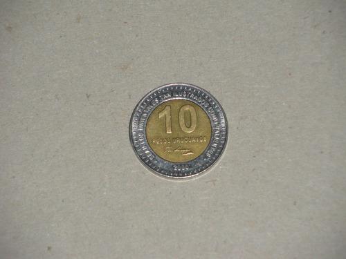 numk- 2 monedas de 10 pesos uruguayos año 2000 diferentes