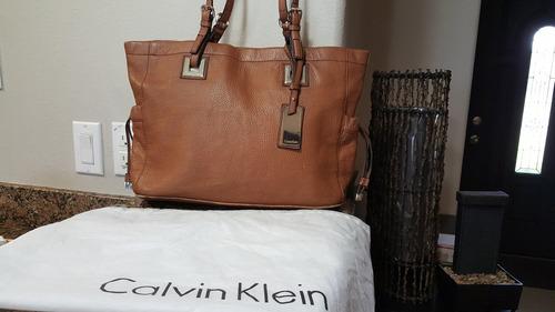 «o. luxuss» bolsa tote piel seminueva ck calvin klein