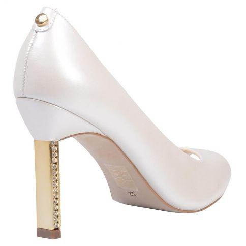 344d7c8528 O Sapato Da Marca Jorge Bischoff De Modelo Peep Toe - R  400