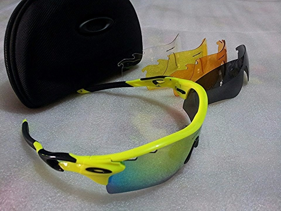 Óculos Modelo Oakley Radarlock 5 Lentes Ciclismo Corrida - R  260,00 ... d1dca9019b
