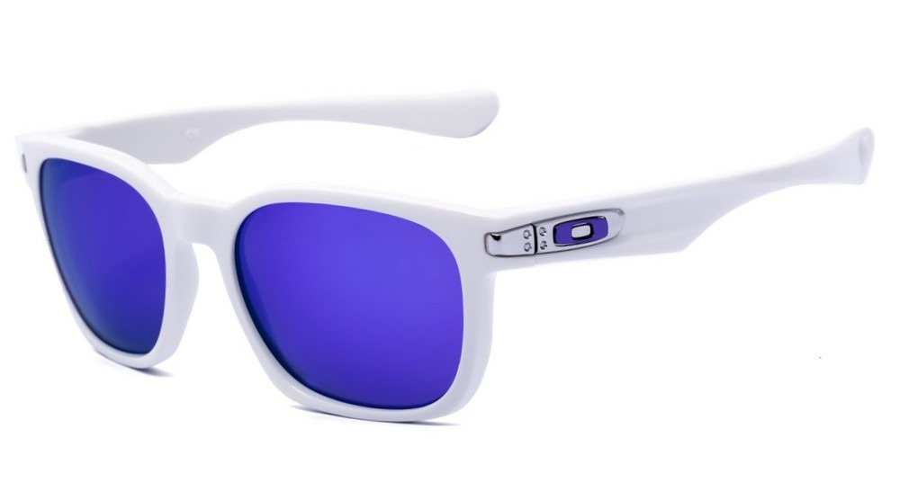 b77f4a74067c3 Oakley Garage Rock Polished White Violet Iridium - R  450